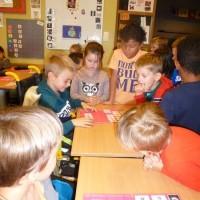 De laatste kleuterklas op bezoek in onze klas.